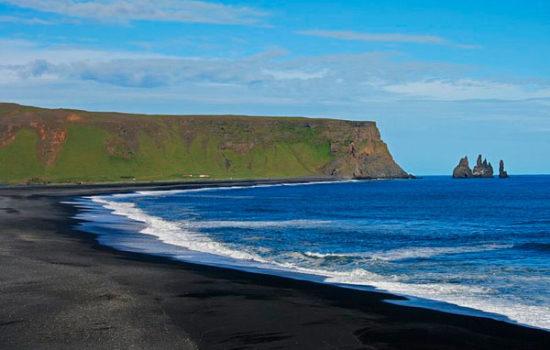 Рейнисдрангар Исландия